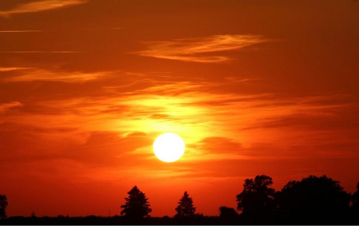 Aurinko laskee