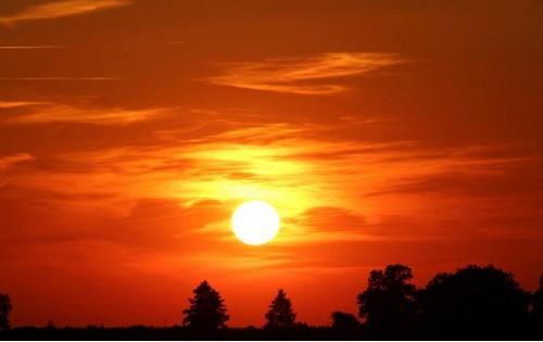 De zon gaat onder